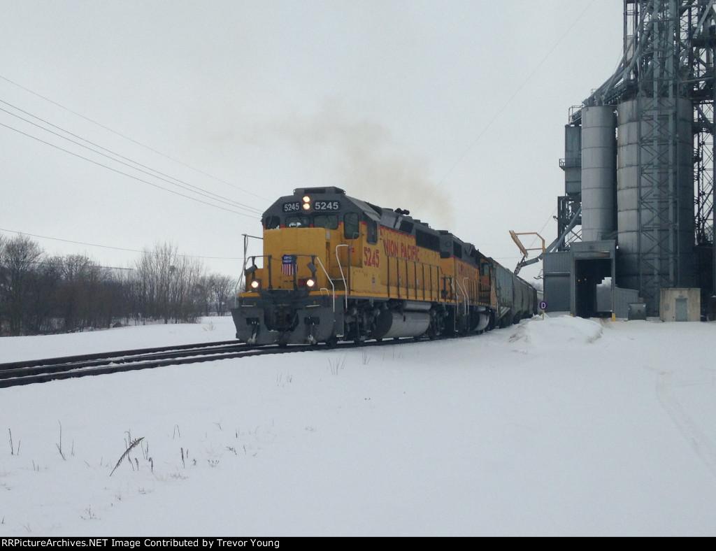UP 5245, Belvidere, IL 3.3.2015